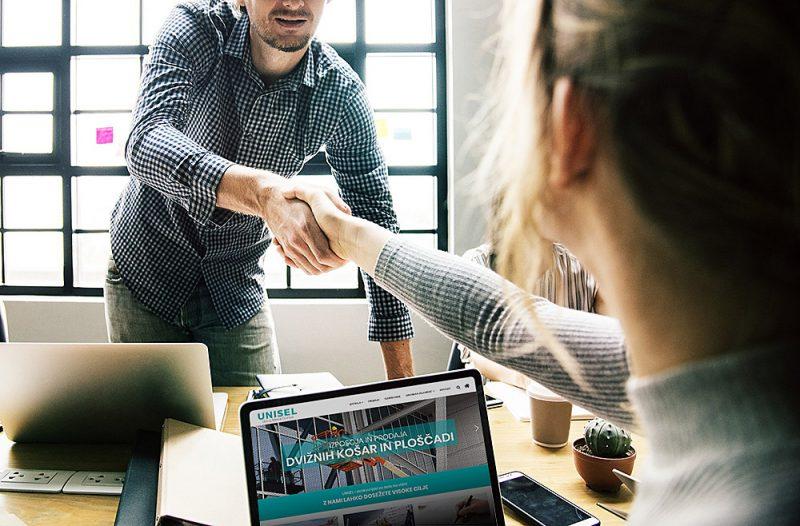Stisk roke po uspešnem dogovoru